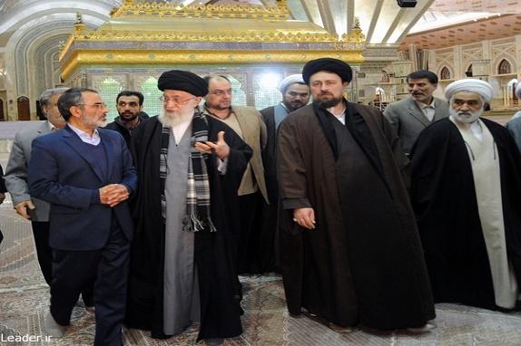 قائد الثوره يزور مرقد الإمام الخميني (رض) وقبور الشهداء+بالصور
