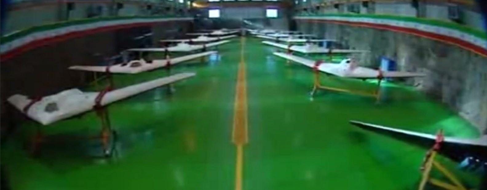 ایران تزیح الستار عن طائرة الصاعقة من دون طیار
