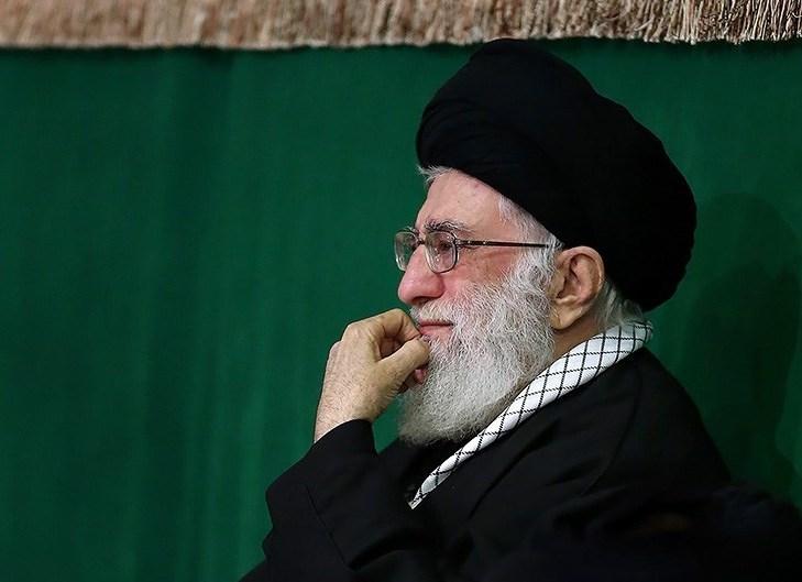 اقامة مراسم عزاء ليلة الغرباء بمشاركة قائد الثورة الاسلامية