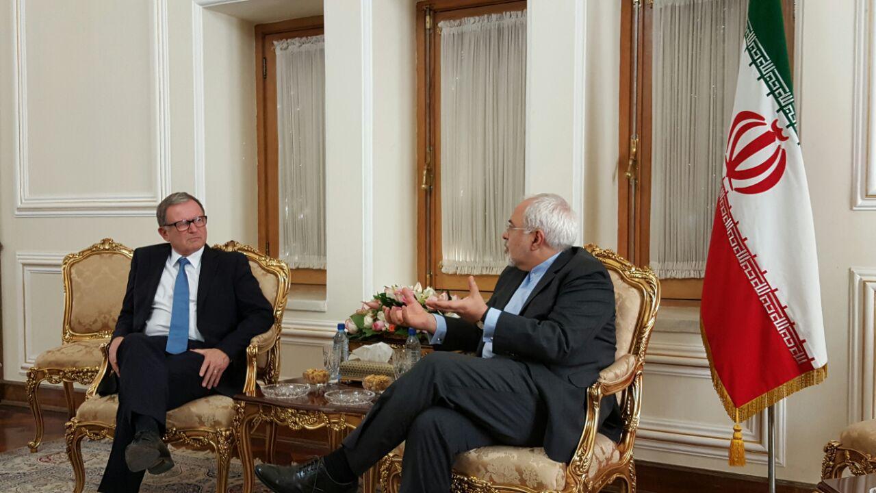 ظريف يستقبل نائب رئيس البرلمان النمساوي