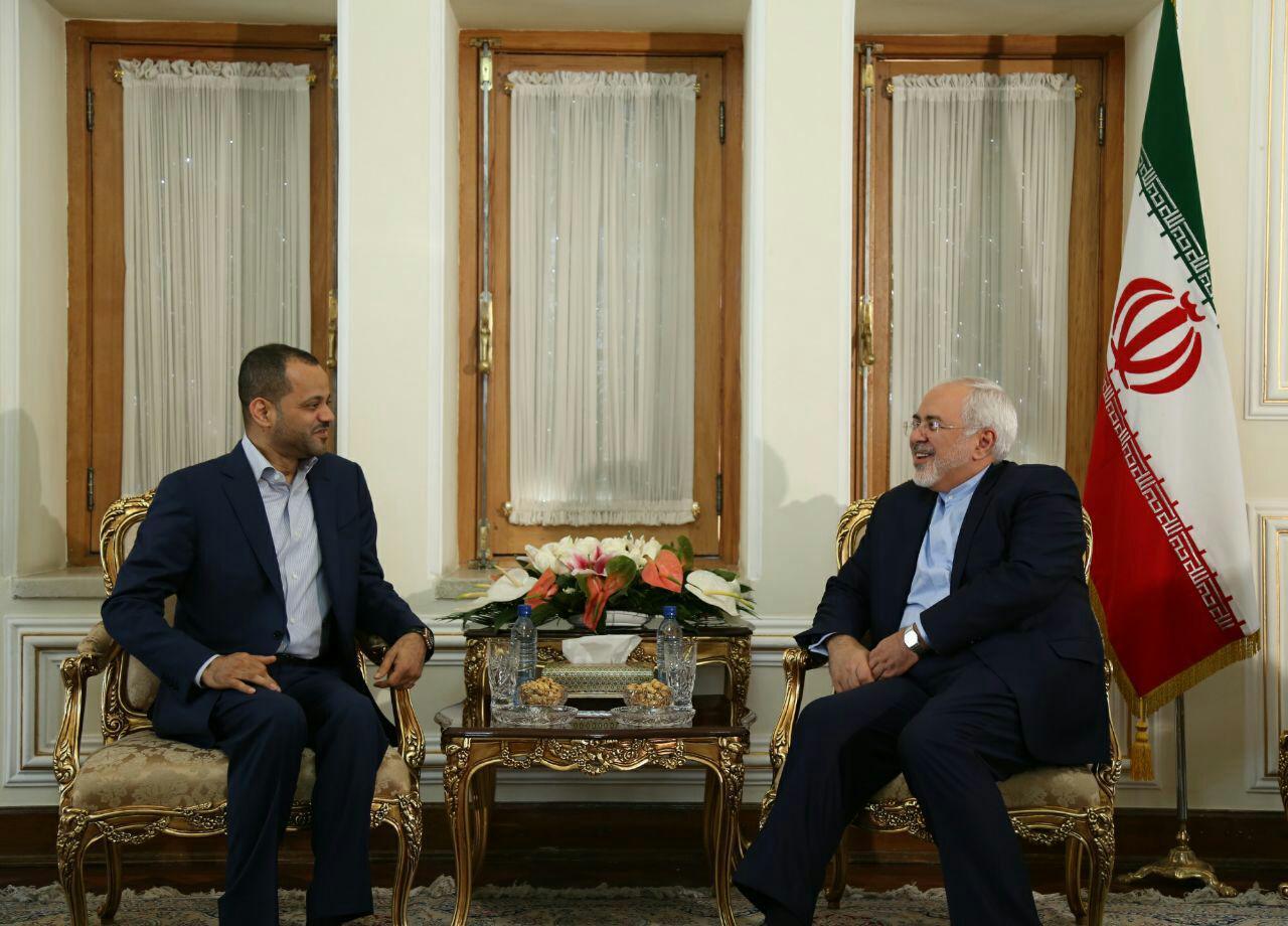 ظريف وحمد الوسعيدي يجريان محادثات حول التطورات الجارية في المنطقة