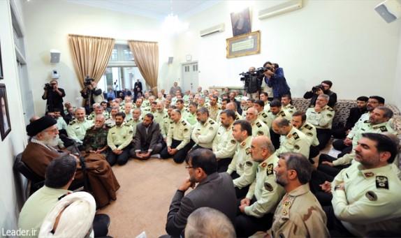 قائد الثورة الاسلامیة : قوات الشرطة رکن اساسی لاستتاب الامن فی البلاد
