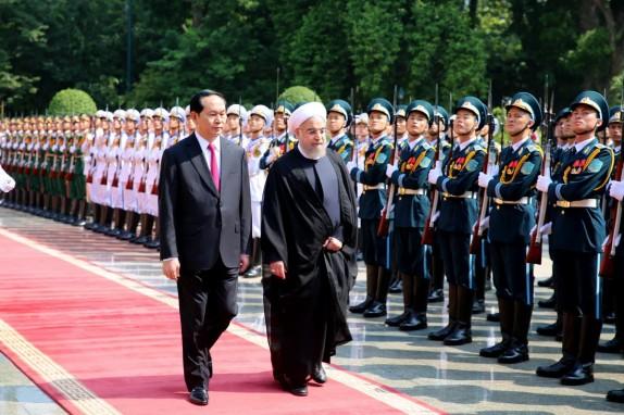 استقبال رسمی للرئیس روحانی من قبل نظیره الفیتنامی فی هانوی