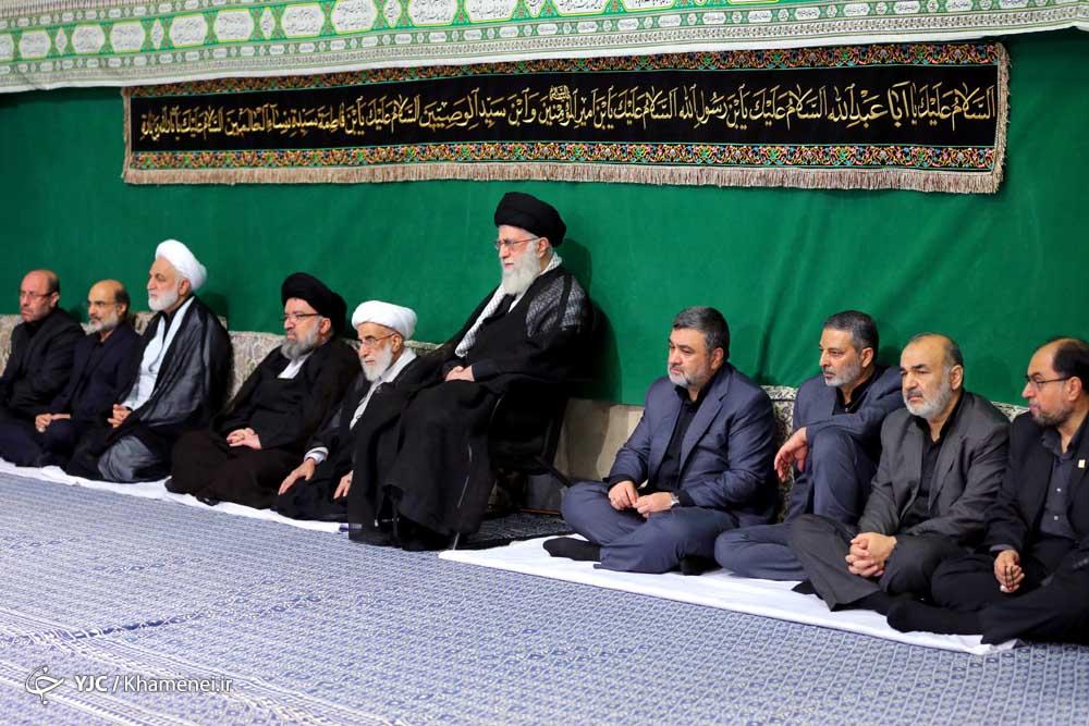 اقامة مراسم العزاء الحسيني بمشاركة قائد الثورة في حسينية الامام الخميني (رض)