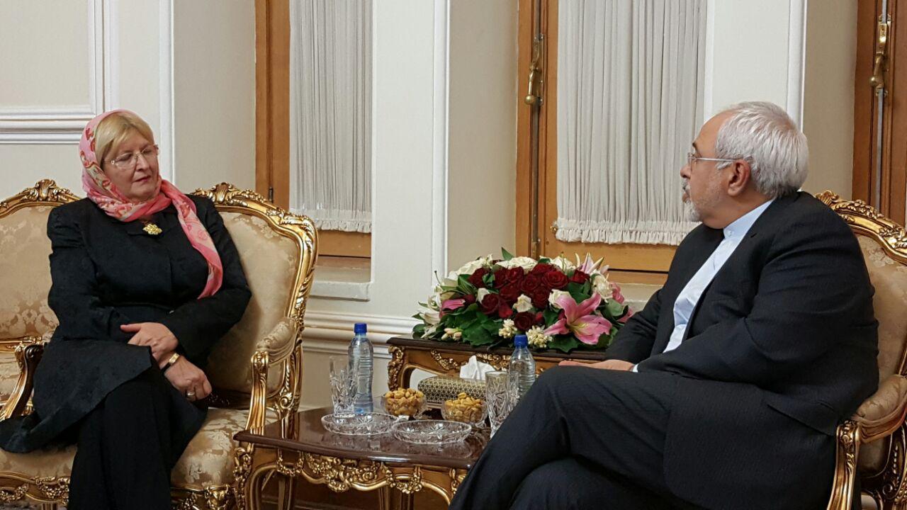 مساعدة وزير خارجية سلوفينيا تبحث مع ظريف سبل تنفيذ الاتفاق النووي والتزام الغرب به