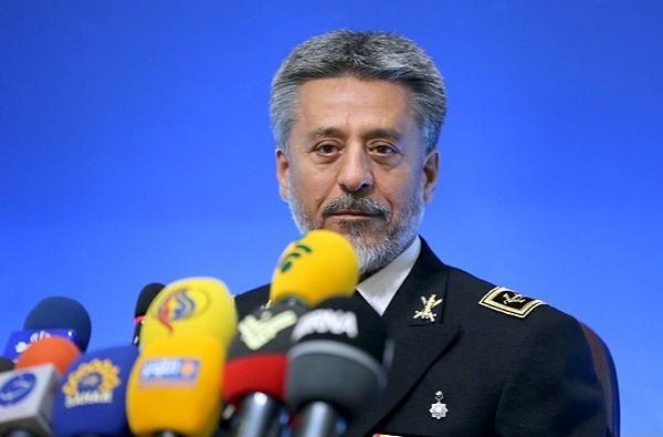 الادميرال سياري: القوة البحرية الايرانية ليست بحاجة الى الآخرين في سد حاجاتها من المعدات والاسلحة