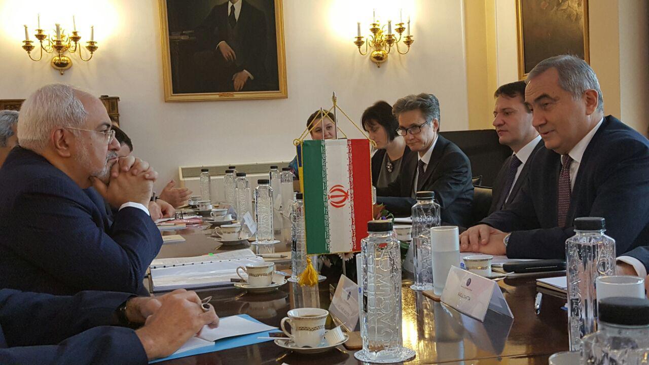 لقاء وزيرا خارجية ايران ورومانيا