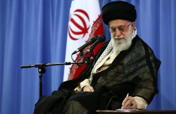 قائد الثورة الاسلامية يعزي بوفاة حجة الاسلام شاهرخي