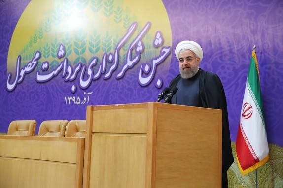 روحاني: الكيان الصهيوني لبس ثوب الحداد منذ تنفيذ الاتفاق النووي