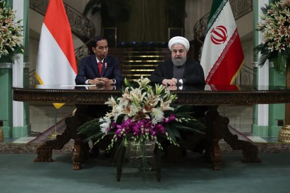روحاني : تعاون ايران واندونيسيا لصالح الأمن في المنطقة والعالم الاسلامي