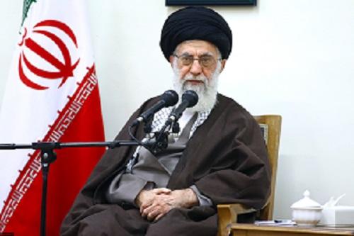 قائد الثورة : يجب على الجميع أن يشعر بمسئولياته دفاعا عن النظام الاسلامي