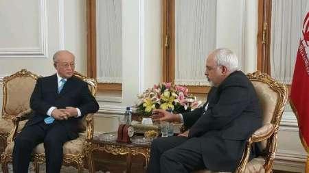 ظريف وامانو يبحثان مسار تنفيذ الاتفاق النووي