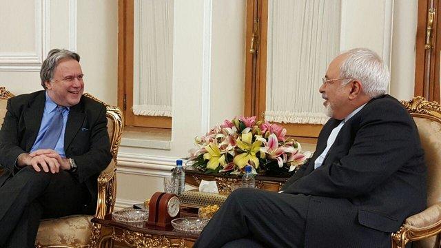 ظريف: العلاقات الايرانية اليونانية تمضي في مسار جيد وصحيح