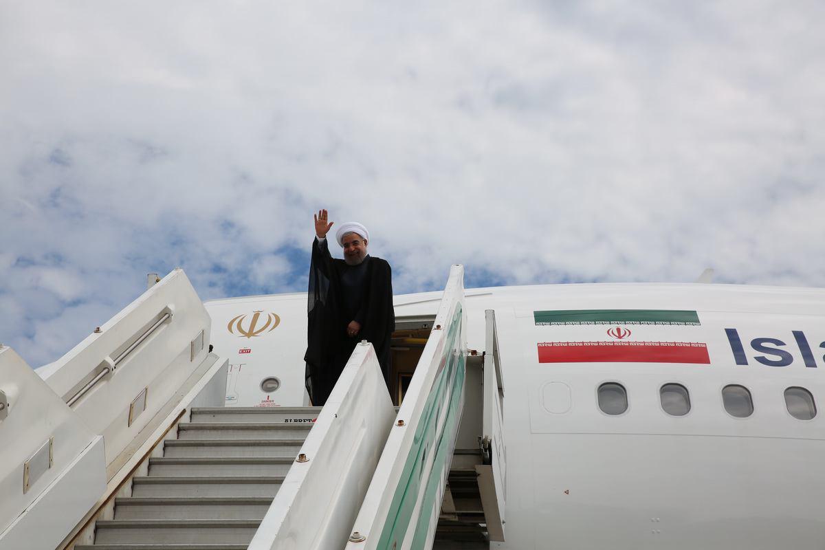 الرئيس الايراني يبدأ جولته الاقليمية بزيارة ارمينيا