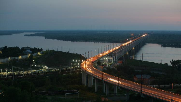 بناء جسر يربط روسيا بالصين