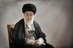 قائد الثورة الإسلامية يعزي برحيل حجة الإسلام حسيني ميانجي