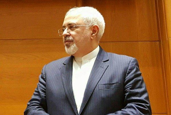ظريف: سنستخدم جميع إمكانياتنا الدبلوماسية لإطلاق سراح
