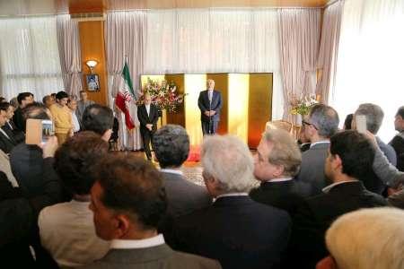 ظریف: التنمیة الاقتصادیة رهن بحضور الشعب في جميع أنحاء العالم
