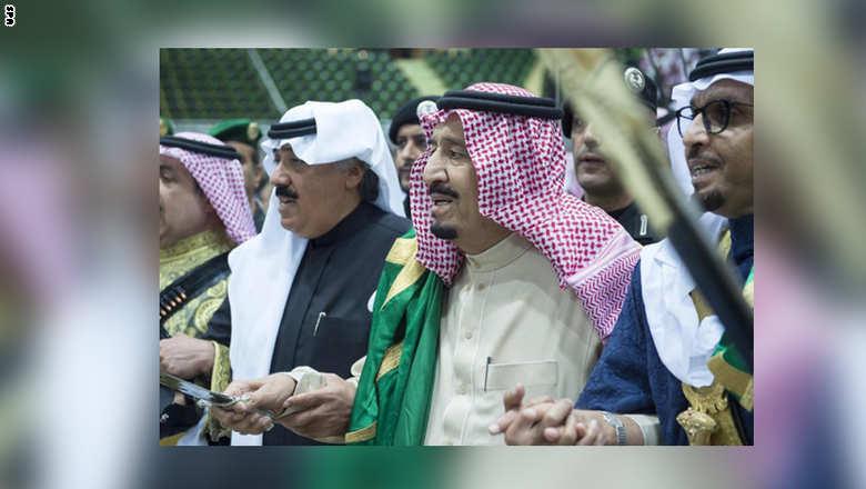 بالصور: سلمان بن عبدالعزيز، الملك السعودي الراقص