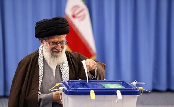 انعكاسات تصريحات قائد الثورة الاسلامية و مشاركة الشرائح الايرانية في الانتخابات لدى وسائل الاعلام العالمية