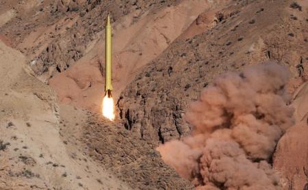 الحرس الثوري يعلن عن انتهاء مناوراة اقتدار ولاية الصاروخية بنجاح