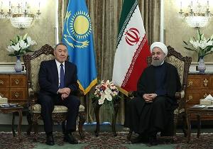 روحانی یعلن عن توقيع 66 اتفاق تعاون بين إيران وكازاخستان