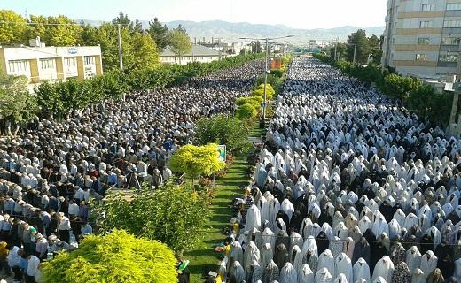 بالصور: إقامة صلاة عيد الفطر المبارك في أنحاء ايران