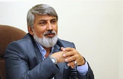 ترقي في حوار له مع وكالة نادي المراسلين الشباب للأنباء:روحاني واحمدي نجاد على لائحة المحافظين في انتخابات 96