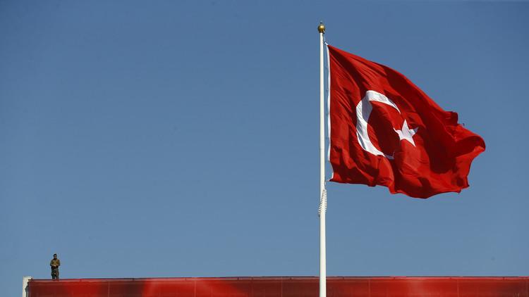 تركيا.. فصل نحو 100 ألف موظف منذ فشل الانقلاب