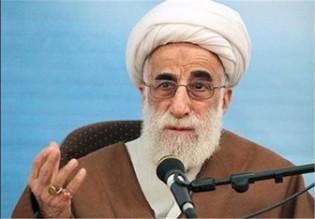 آية الله جنتي يشيد بالحضور الملحمي للشعب الإيراني في تشييع آية الله رفسنجاني