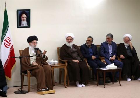 الإمام الخامنئي: آية الله مصطفى الخميني كان نموذجاً بارزاً في أسلوب المقاومة