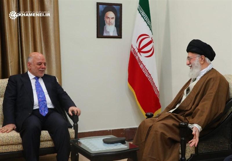 خامنئي للعبادي: الانتصارات العراقية أصبحت مناراً ومشروعاً للنهوض في المنطقة