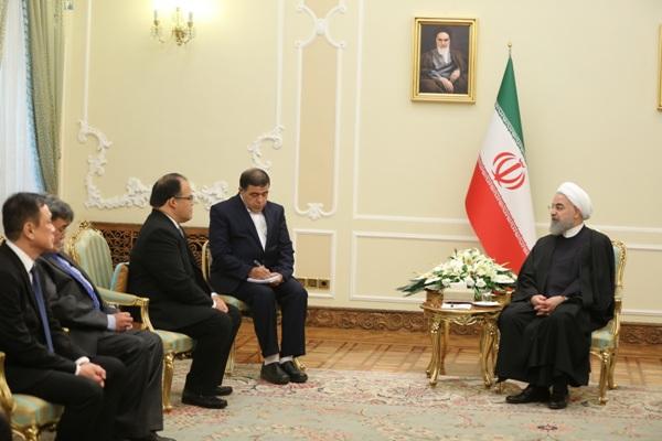 روحاني: ايران ترحب بتطوير التعاون مع الفلبين خاصة في المجال الاقتصادي