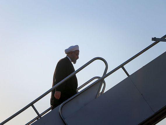الرئيس روحاني يتوجه الي محافظة كرمانشاه لتفقد المناطق المنكوبة بالزلزال