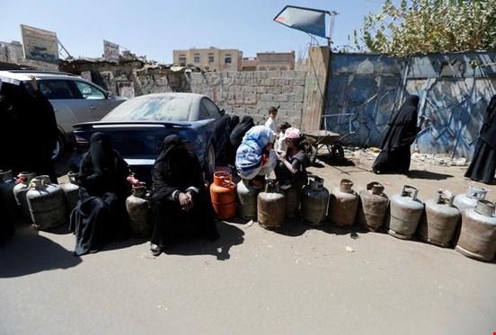 هيومن رايتس ووتش: ادعاءات السعودية بتخفيف الحصار عن اليمن غير صحيحة