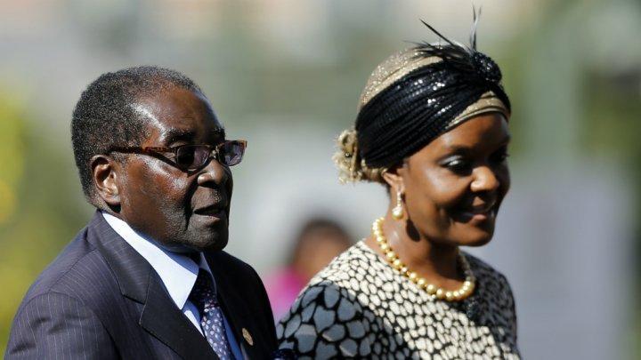 جيش زيمبابوى: الرئيس موجابى وزوجته رهن الاحتجاز