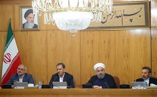 روحاني : سيتم اتخاذ القرارات المناسبة للتخفيف من معاناة المتضررين في زلزال كرمانشاه