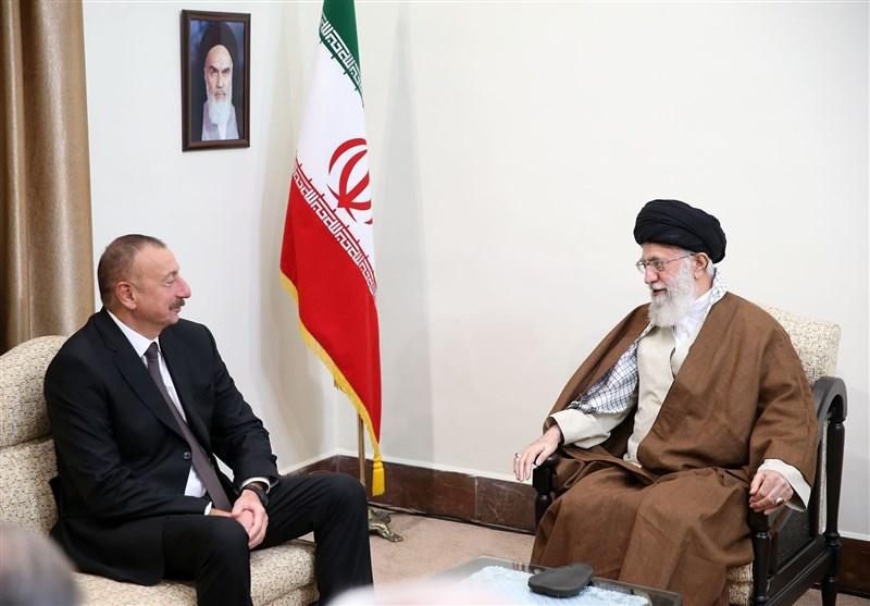 الامام الخامنئي: ينبغي التصدي لاجراءات معارضي علاقات ايران وآذربيجان