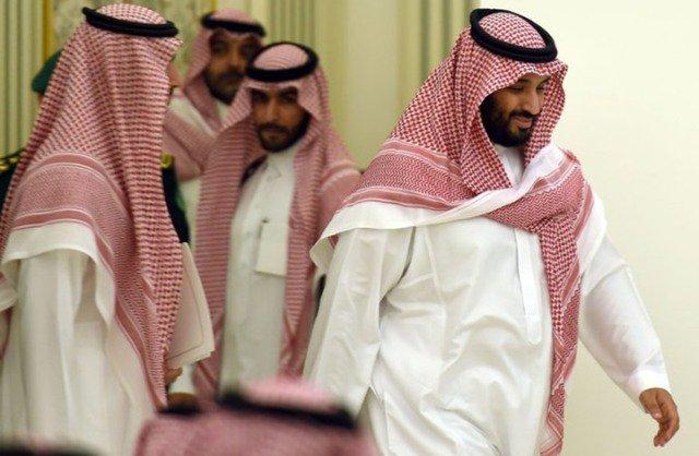 صحيفة امريكية: بن سلمان يزور الأمراء المحتجزين بانتظام