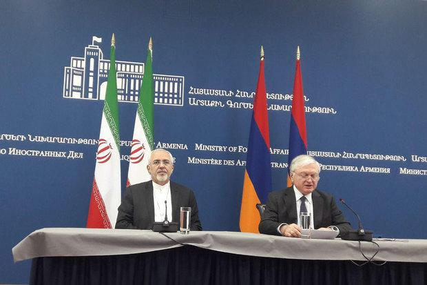 وزیرا خارجیة إیران وأرمینیا یؤکدان علی تطویر التعاون الإقتصادي