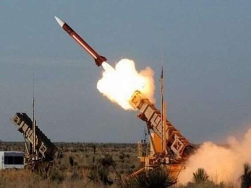 السعودية تعترض صاروخا بالستيا یمني شرقي الرياض