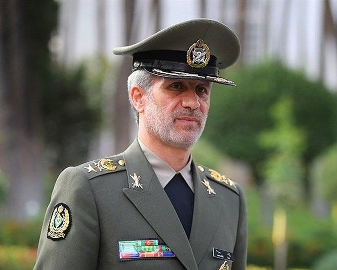 العمید حاتمي: ستزداد القدرات الدفاعیة و الصاروخیة الإیرانیة یوما بعد یوم