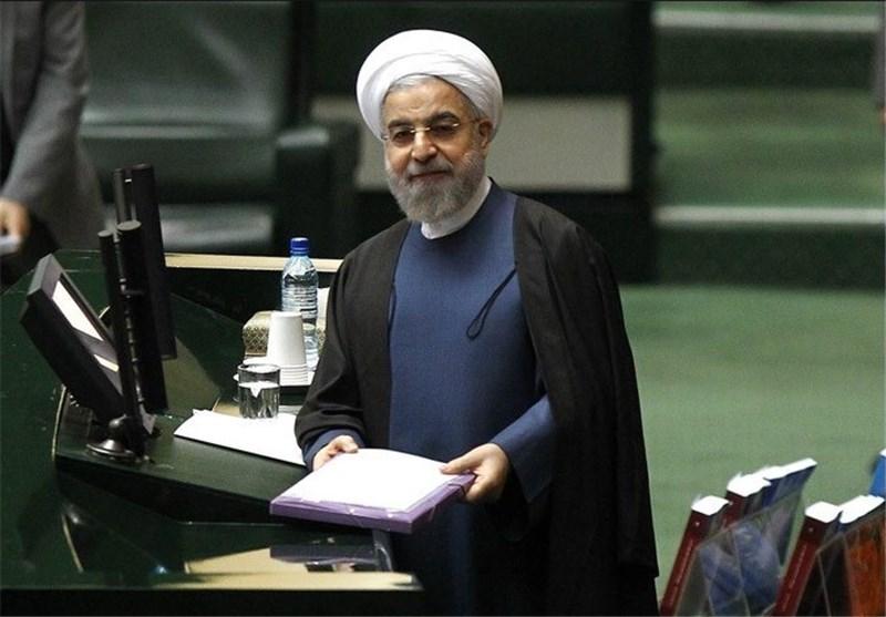 روحاني يعرض الموازنة على البرلمان الإیراني