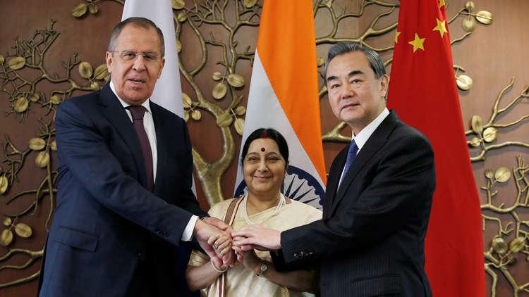 لافروف يؤكد اهتمام روسيا بتعزيز التعاون مع الصين والهند في إطار ثلاثية RIC