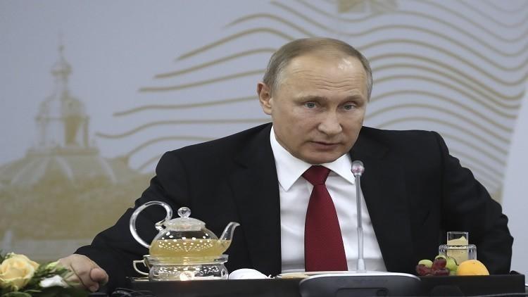 بوتين يلتقي الأسد بحميميم ويأمر بسحب قواته من سوريا