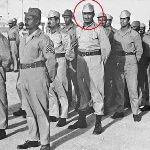 صور نادرة للملك سلمان أثناء تطوعه في الجيش المصري