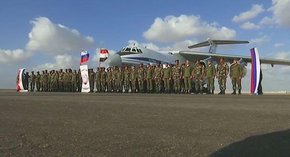 وفد روسي في مصر لبحث التعاون العسكري بين البلدين