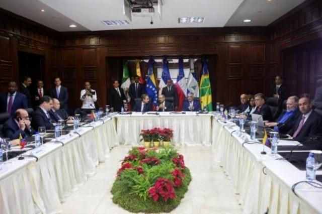 جولة جديدة من المفاوضات بين الحكومة الفنزويلية والمعارضة مطلع الشهر المقبل