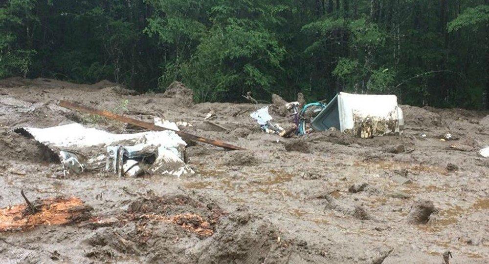 3 قتلى و15 مفقودا في إنهيار أرضي بسبب أمطار غزيرة في تشيلي