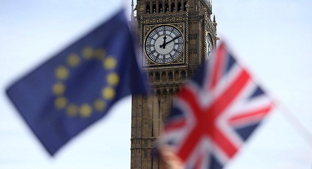 أكثر من نصف البريطانيين يريدون الآن البقاء بالاتحاد الأوروبي